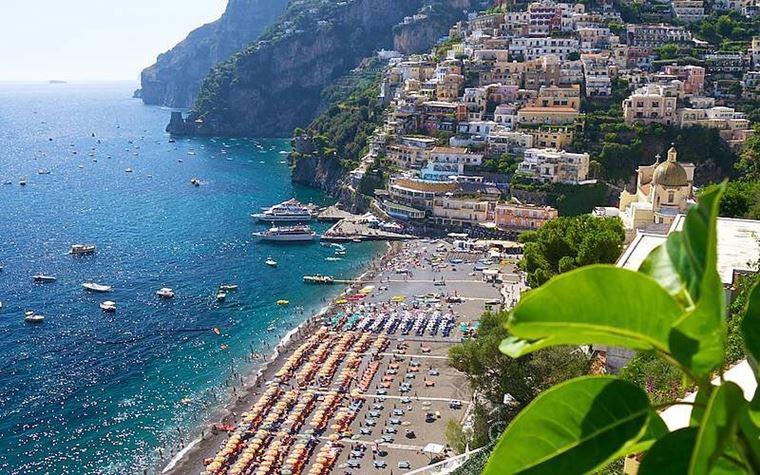 Лучшие пляжи Амальфитанского побережья Италии - Марина Гранде ди Позитано