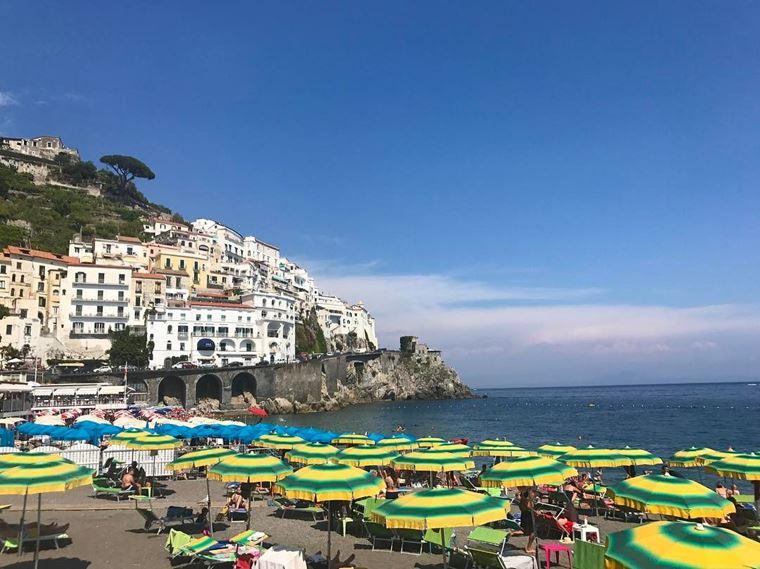 Лучшие пляжи Амальфитанского побережья Италии: Гранде Амальфи