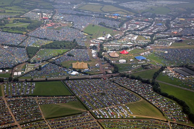 Музыкальный фестиваль Glastonbury (Гластонбери, Англия)