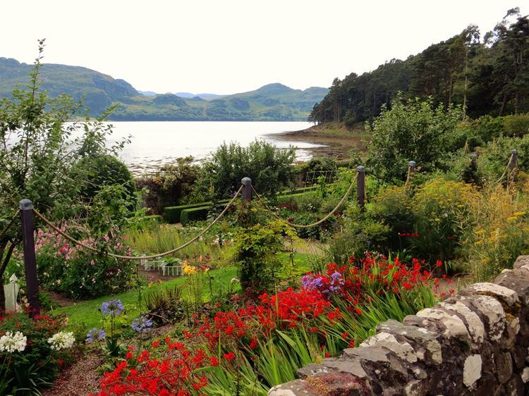Самые красивые парки и сады в мире: сад Инверью в Шотландии