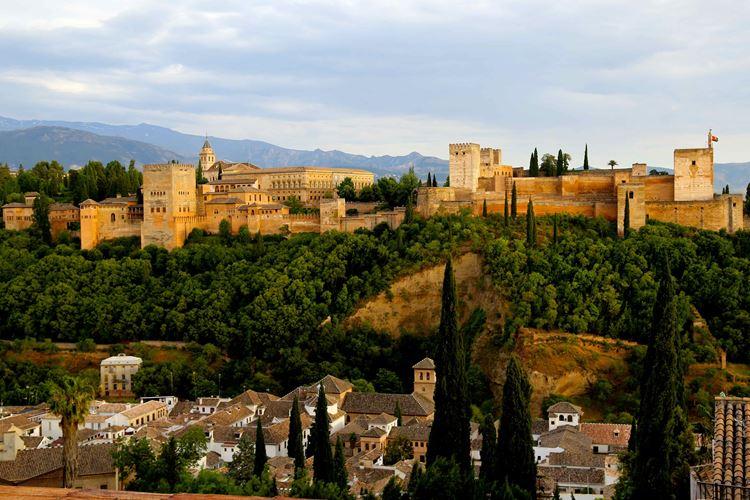 Самые красивые сады и парки: сады Альгамбра в Испании