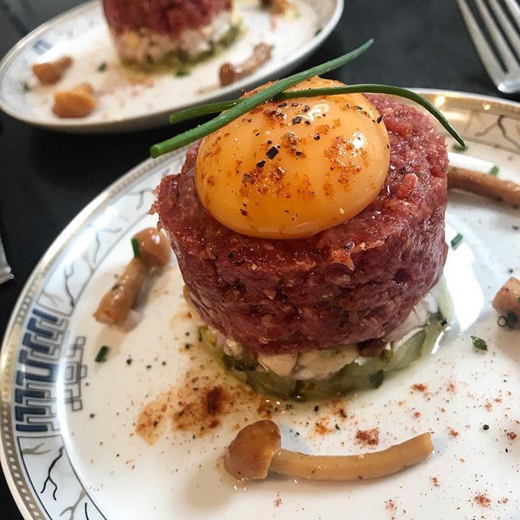 Блюда французской кухни, которые обожают французы - Стейк тартар