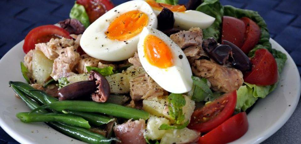 Салат «Нисуаз»: классика Средиземноморской кухни родом из Ниццы