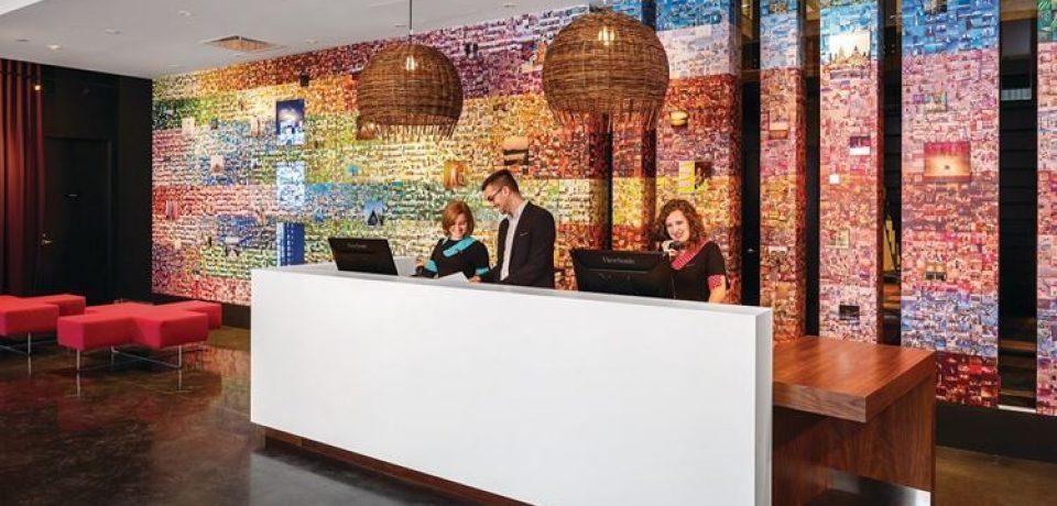 В Оттаве открылся отель с ярким дизайном Alt Hotel Ottawa