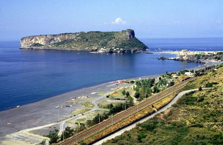 Лучшие пляжи Калабрии, Италия - Прая-а-Маре