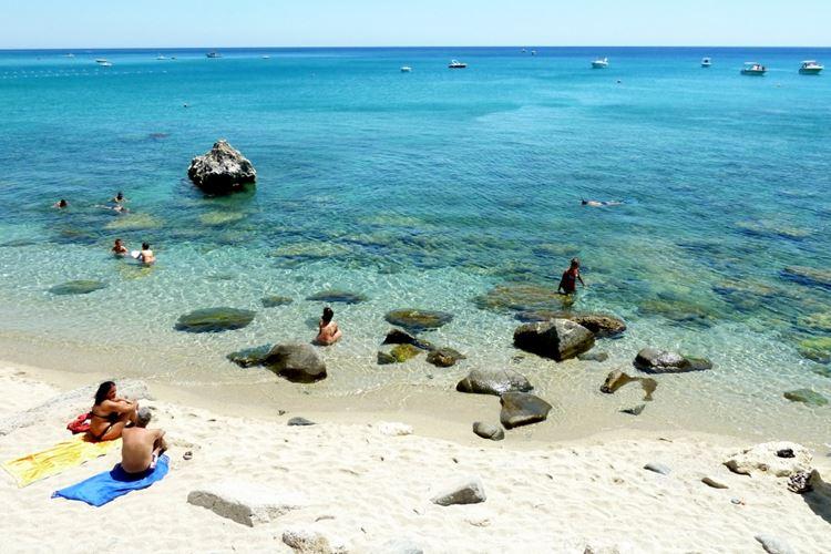 Лучшие пляжи Калабрии, Италия - Каминия