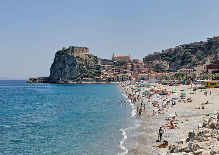 Лучшие пляжи Калабрии, Италия - Шилла (Сцилла)