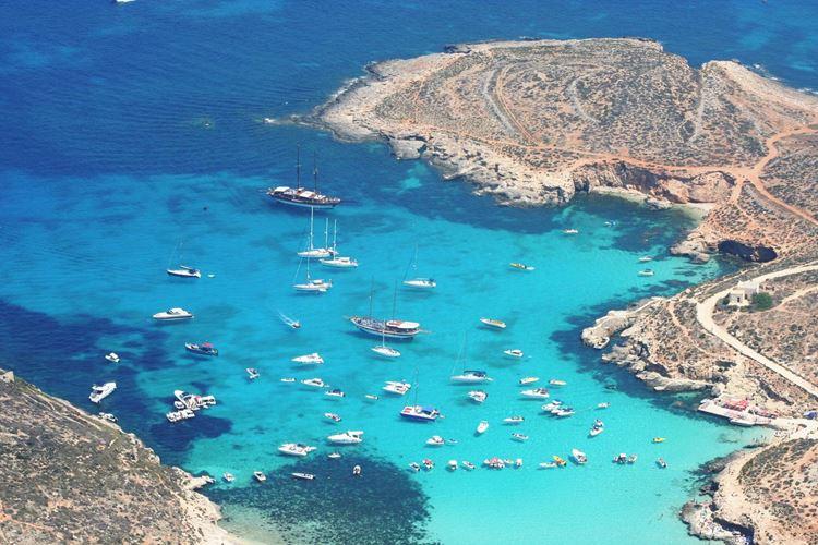 Мальта, пляж Голубая лагуна