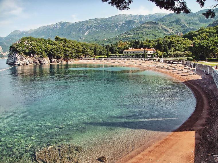 Лучшие пляжи Черногории: песчаный Милочер