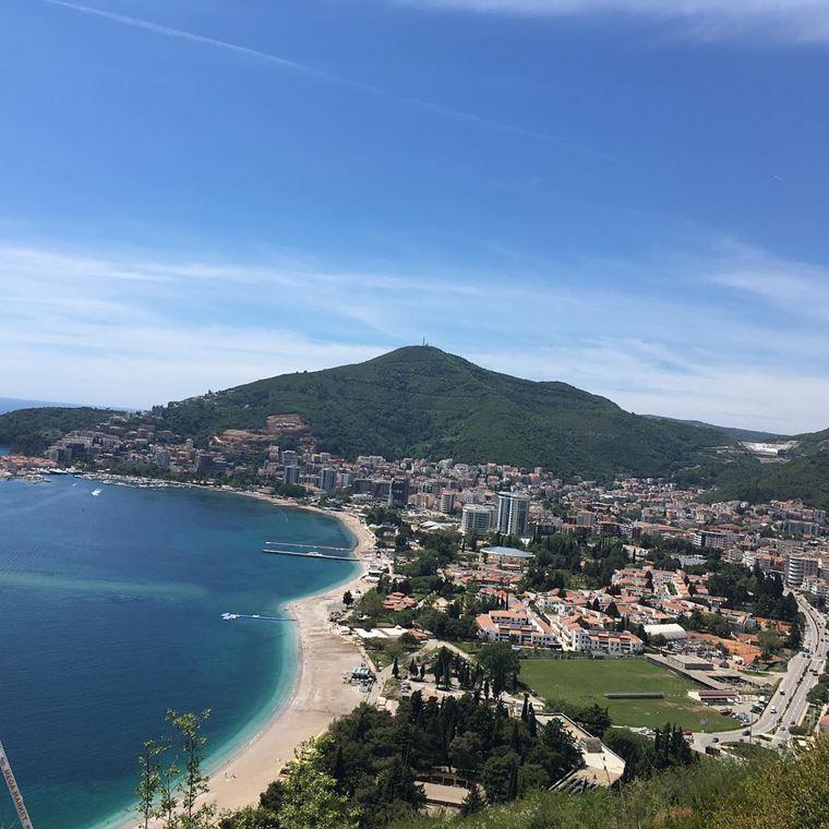 Лучшие пляжи Черногории: песчаный Бечичи