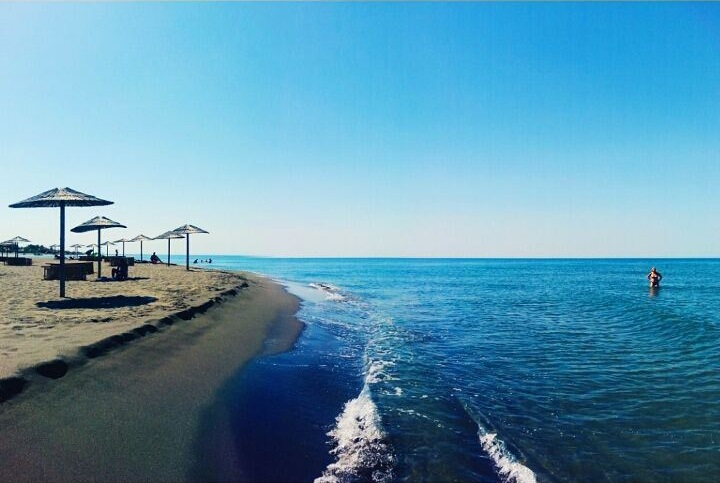 Лучшие пляжи Черногории: песчаный Ада Бояна