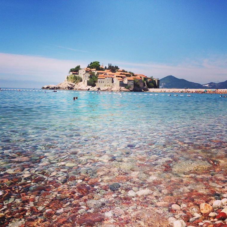 Лучшие пляжи Черногории: галечный Свети Стефан