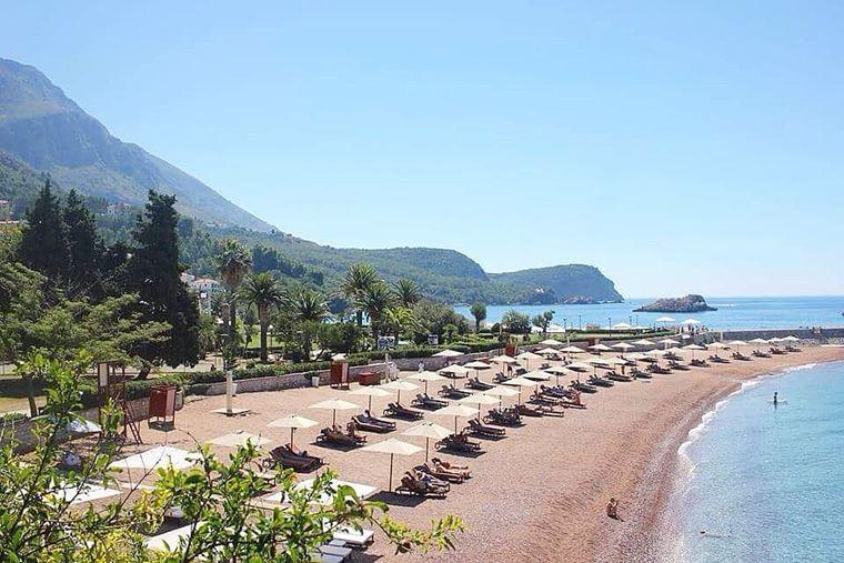 Лучшие пляжи Черногории: песчаный и мелкогалечный Свети Стефан