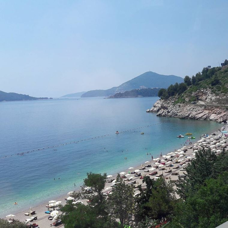 Лучшие пляжи Черногории: береговая линия Милочер