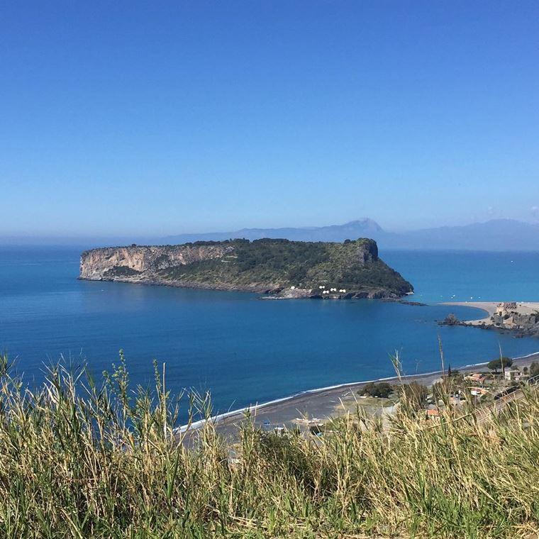 Лучшие пляжи Калабрии: Прая-а-Маре