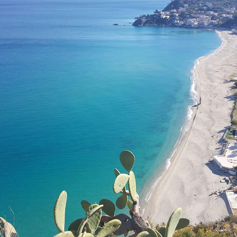 Лучшие пляжи Калабрии: Каминия