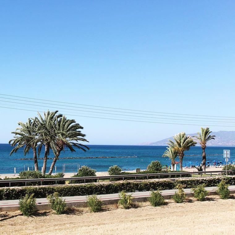 Лучшие пляжи Кипра: набережная Лачи в Полисе
