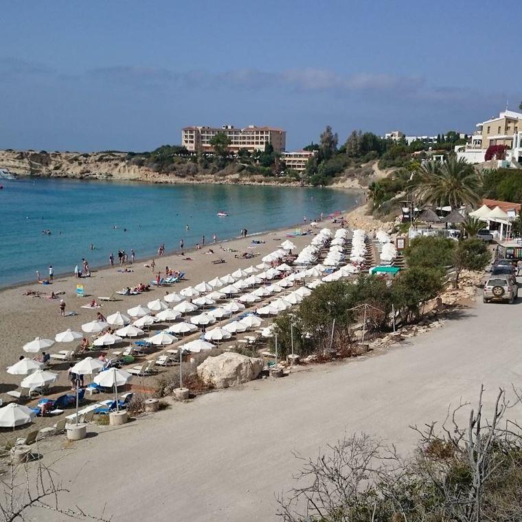 Лучшие пляжи Кипра: Корал Бэй берег моря