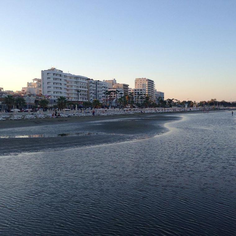 Лучшие пляжи Кипра: песчаный пляж Финикудес