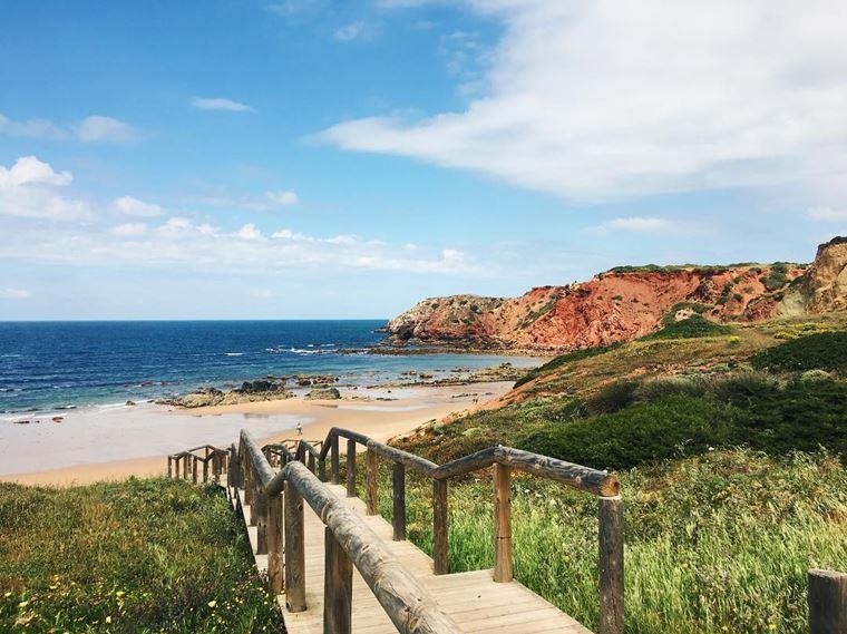 Лучшие пляжи Португалии: Прайя-ду-Амаду