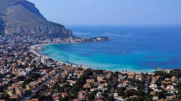 Лучшие пляжи Сицилии: Монделло