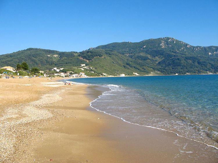 Лучшие пляжи острова Корфу, Греция: Агиос Георгиос