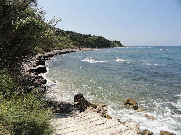 Лучшие пляжи острова Корфу, Греция: Парамонас