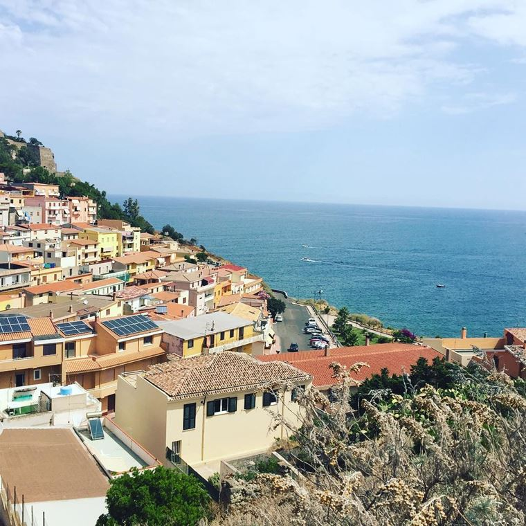 Города южной Италии: Кастельсардо