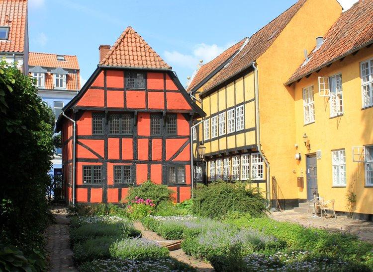 Коллинг (Колдинг) – датский порт с ботаническим садом
