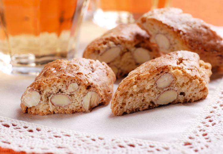Классический итальянские десерты: кантуччи