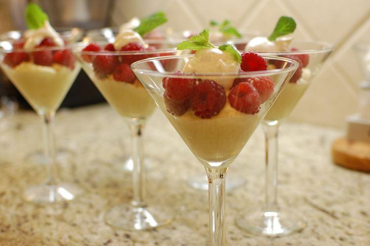Классический итальянские десерты: Забальоне
