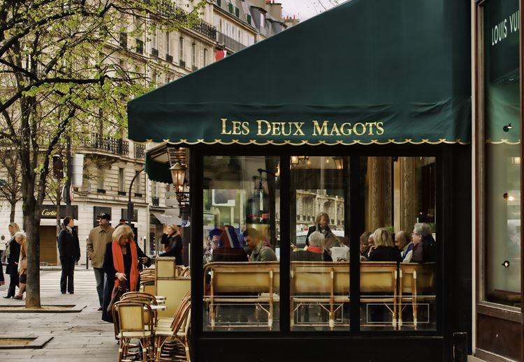 Знаменитые исторические кафе Парижа: «Два маго»