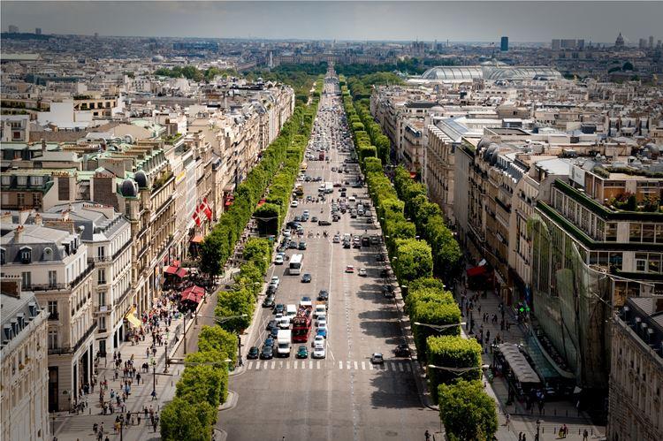 Самые известные и красивые улицы мира - Елисейские поля в Париже (Франция)