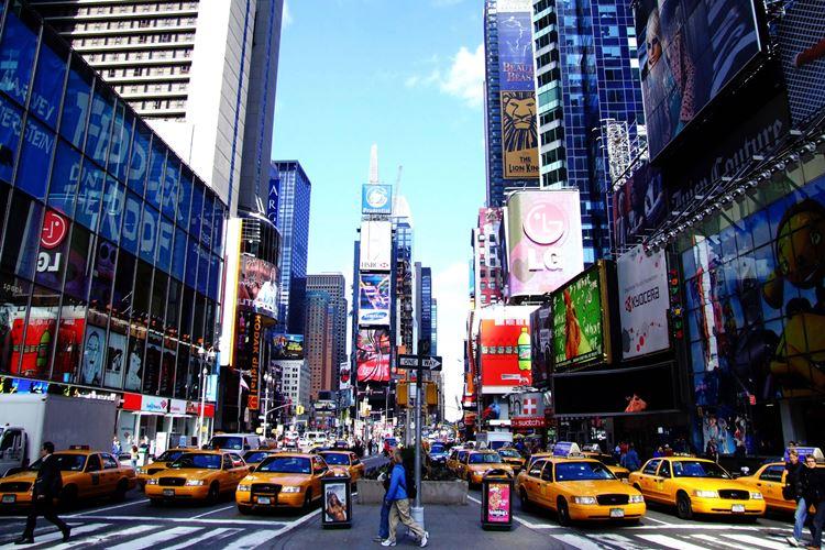 Самые известные и красивые улицы мира - Пятая авеню в Нью-Йорке (США)