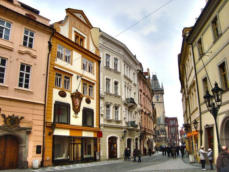Самые известные и красивые улицы мира - Улица Целетна в Праге (Чехия)