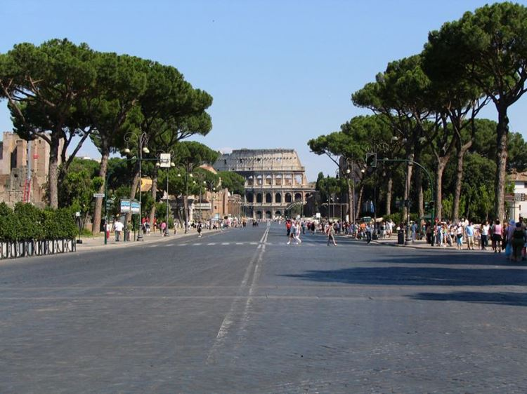 Самые известные и красивые улицы мира - Виа деи Фори Империали в Риме (Италия)