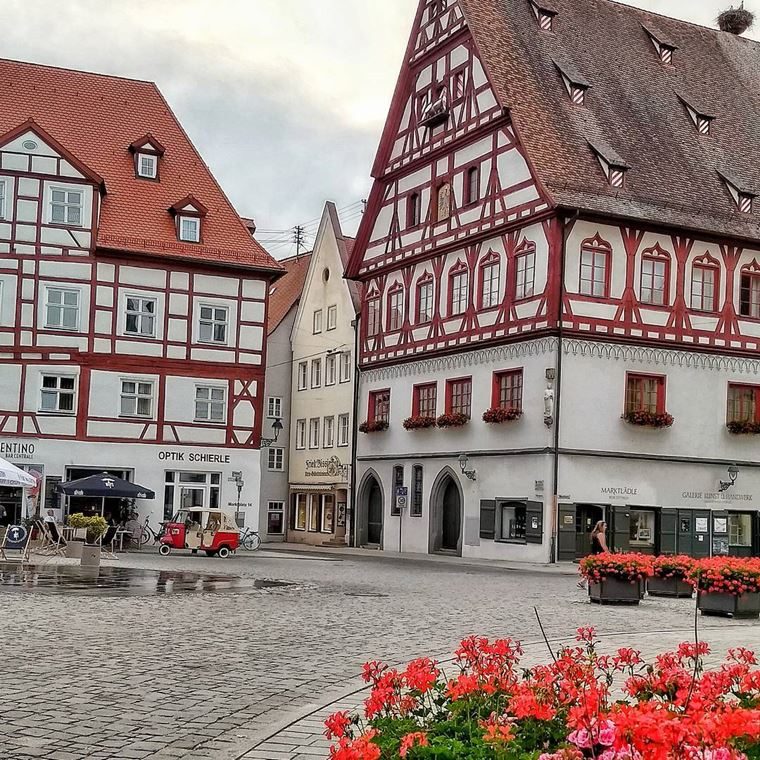Красивые старинные города Германии: Нёрдлинген