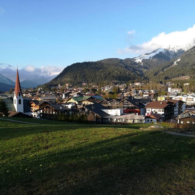 Красивые деревни и маленькие города Австрии: Зефельд-ин-Тироль