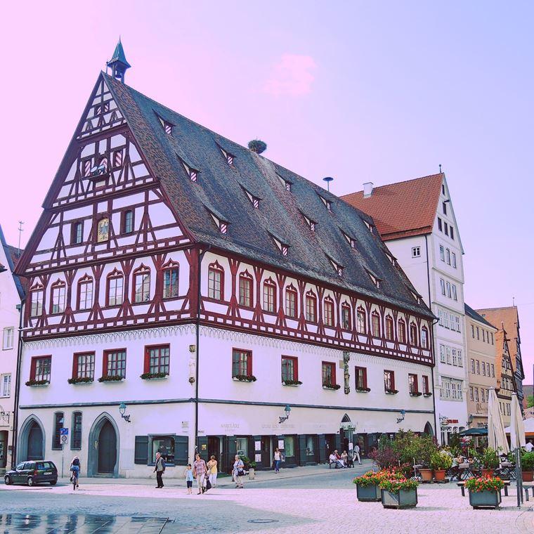 Красивые деревни и маленькие города Германии: Нёрдлинген
