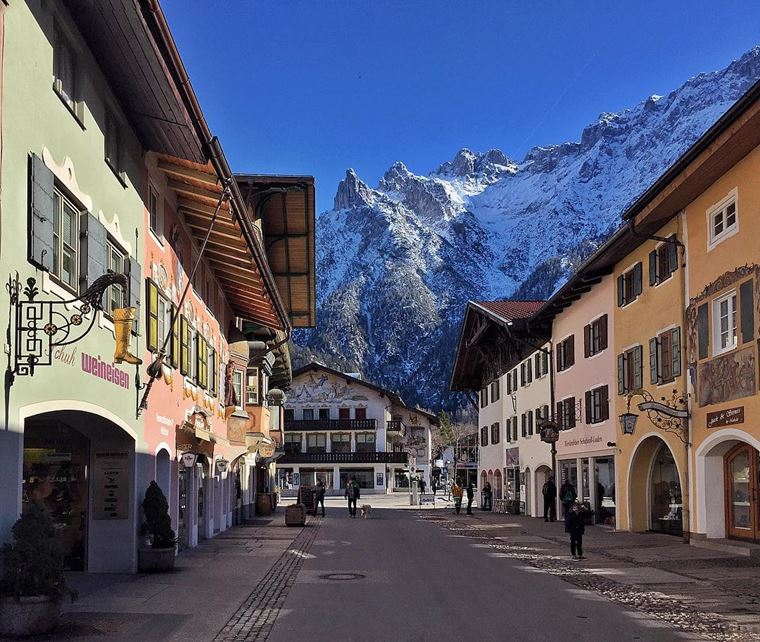 Красивые деревни и маленькие города Германии: Миттенвальд