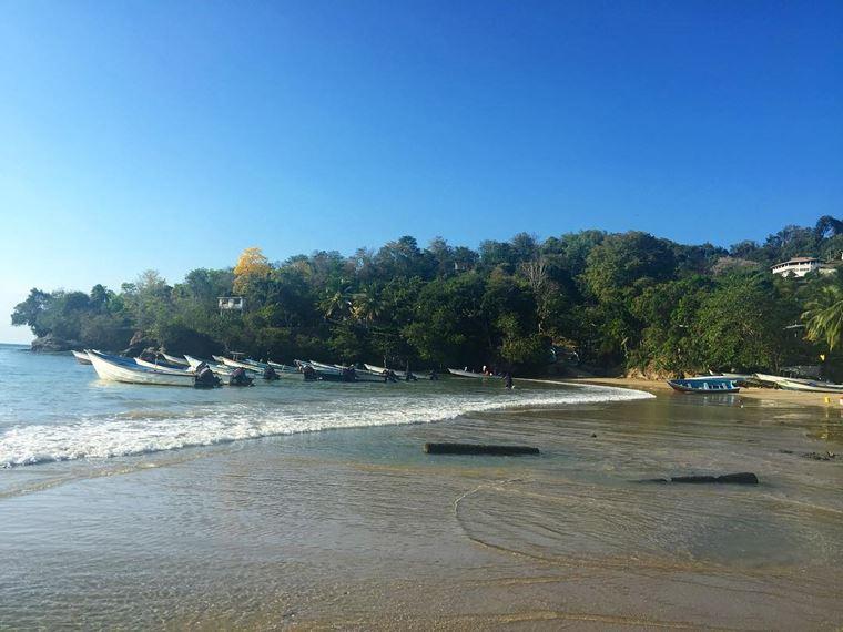 Топ-12 лучших пляжей Марокко: для отдыха и серфинга - Пляж Лас-Куэвас, Ассила