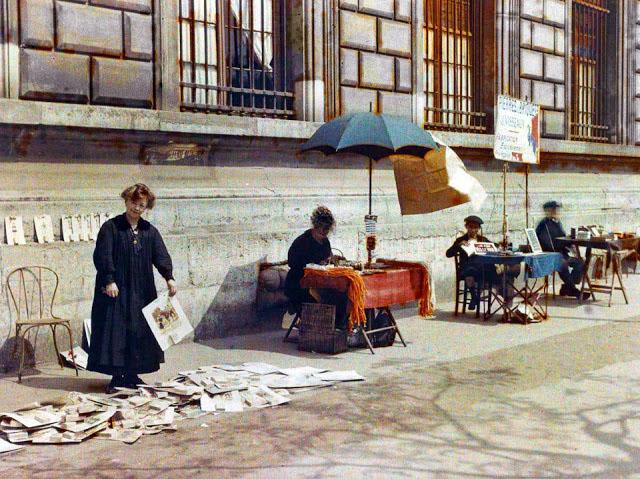 Старый Париж: редкие цветные фото - продавцы на улице