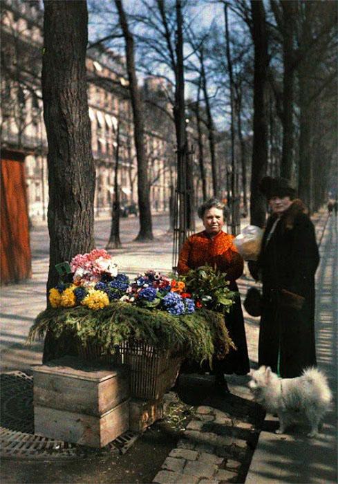 Старый Париж: редкие цветные фото - продавцы цветов