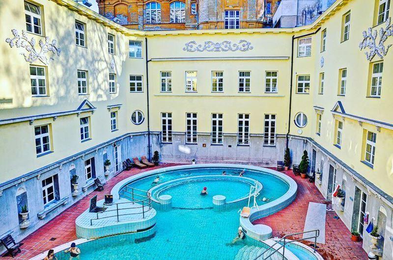 5 лучших термальных купален Будапешта - Купальня Лукач