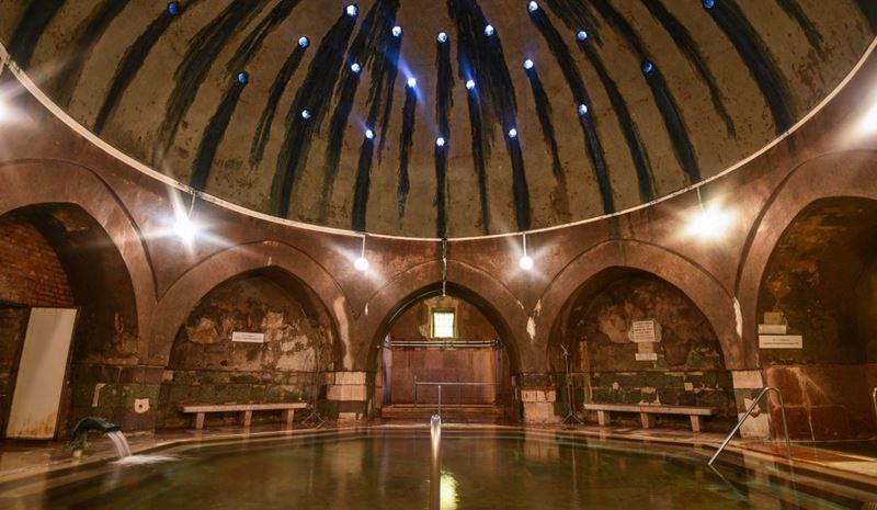 5 лучших термальных купален Будапешта - Купальня Кирай