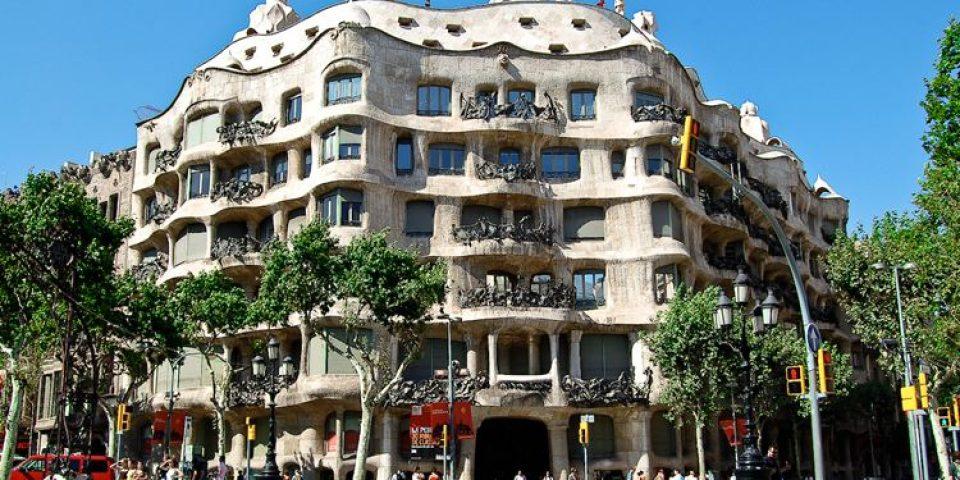 Архитектура Барселоны: 10 красивых зданий в стиле модерн