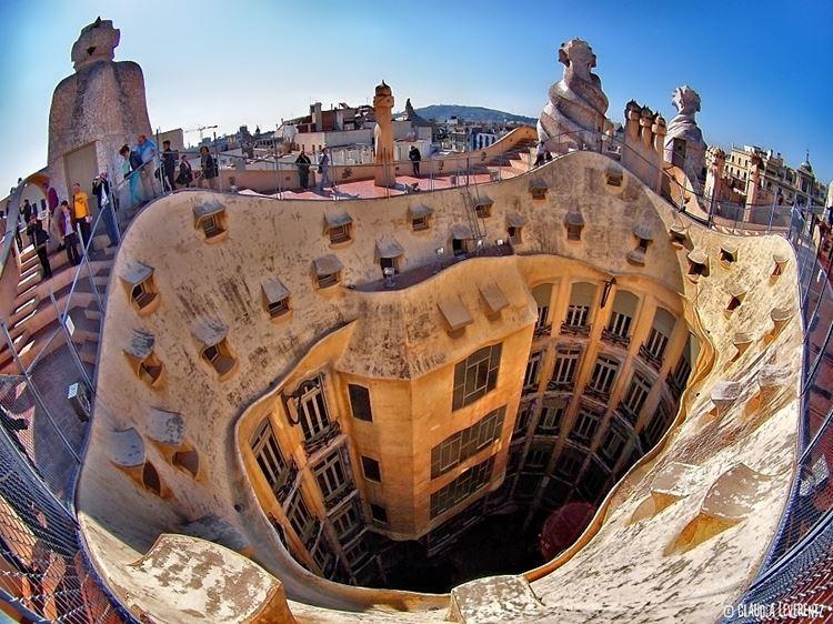 Здания Барселоны: Дом Мила