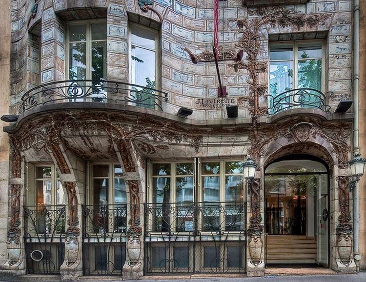 Архитектура Парижа: 10 красивых зданий в стиле ар нуво - Отель Elysées Ceramic 1
