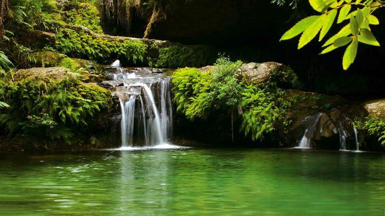 Топ-10 самых красивых природных бассейнов мира - Бассейн в национальном парке Исало на Мадагаскаре