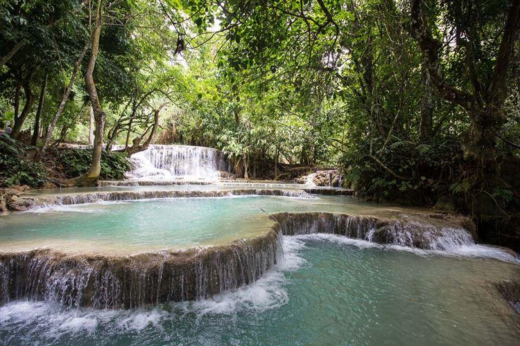 Топ-10 самых красивых природных бассейнов мира - Природный бассейн у водопада Куанг Си в Лаосе